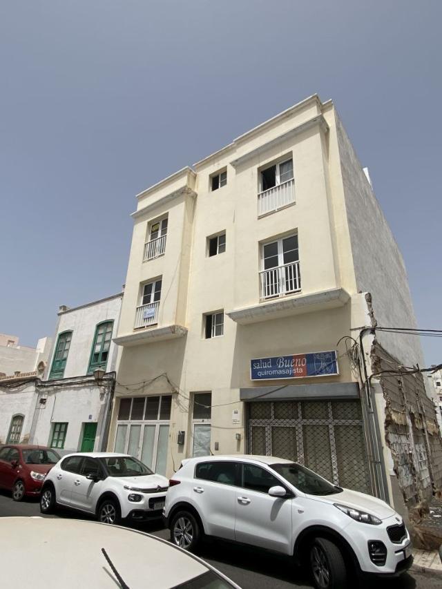 Piso en venta en Arrecife, Las Palmas, Calle Perez Galdos, 87.600 €, 3 habitaciones, 1 baño, 90 m2