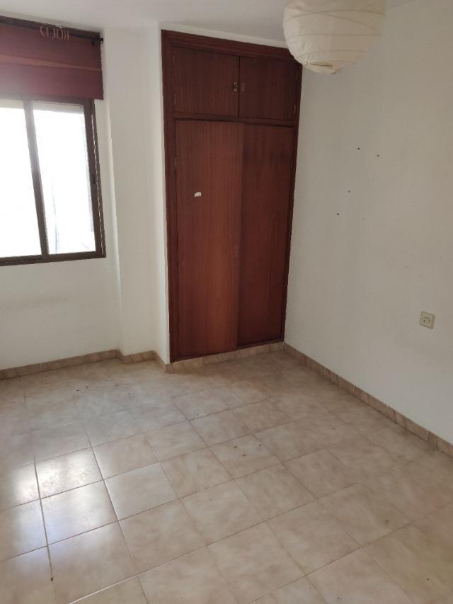 Piso en venta en Piso en Águilas, Murcia, 58.900 €, 4 habitaciones, 2 baños, 89 m2