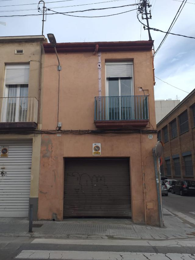 Piso en venta en Terrassa, Barcelona, Calle Arquimedes, 169.000 €, 4 habitaciones, 1 baño, 126 m2