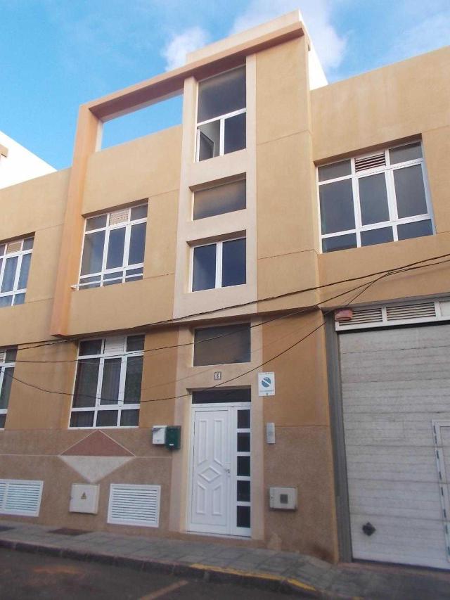 Piso en venta en Argana Alta, Arrecife, Las Palmas, Calle Saltona, 88.900 €, 3 habitaciones, 2 baños, 81 m2