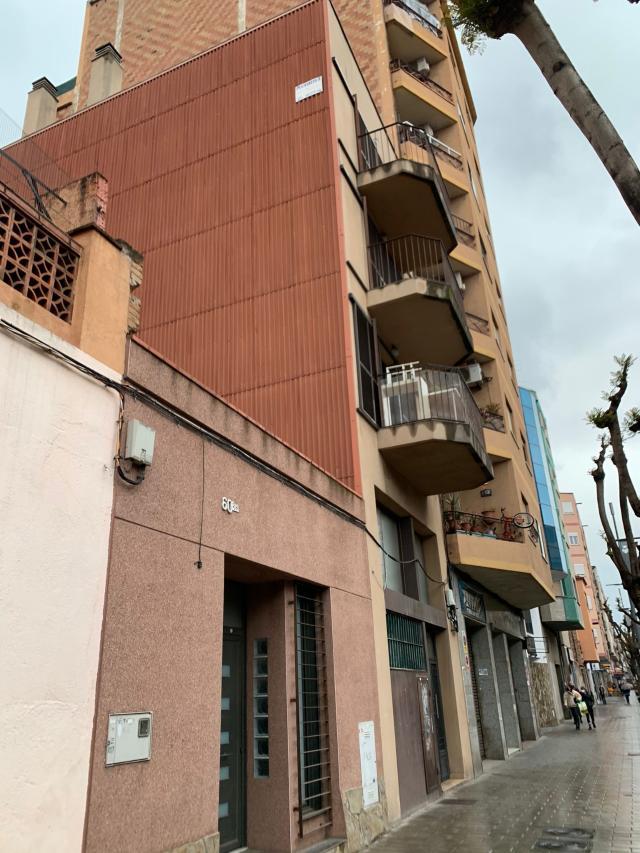 Piso en venta en Sant Andreu de la Barca, Barcelona, Calle de Barcelona, 125.000 €, 1 habitación, 1 baño, 63 m2