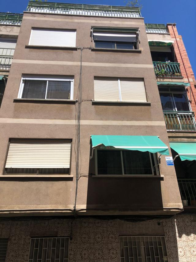 Piso en venta en Ciutat Cooperativa I Molí Nou, Sant Boi de Llobregat, Barcelona, Calle Primero de Mayo, 139.000 €, 2 habitaciones, 1 baño, 74 m2