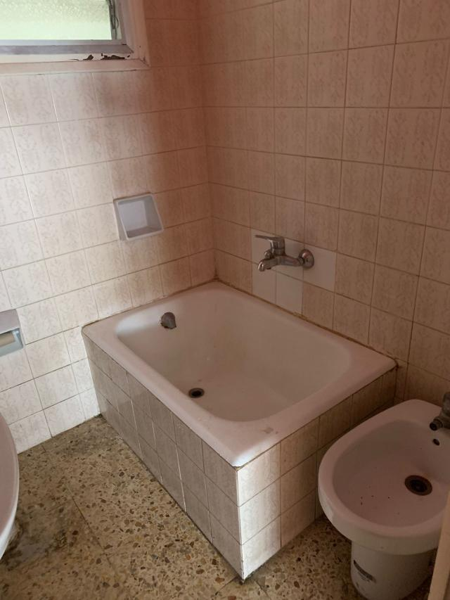 Piso en venta en Piso en Pineda de Mar, Barcelona, 92.000 €, 3 habitaciones, 1 baño, 60 m2