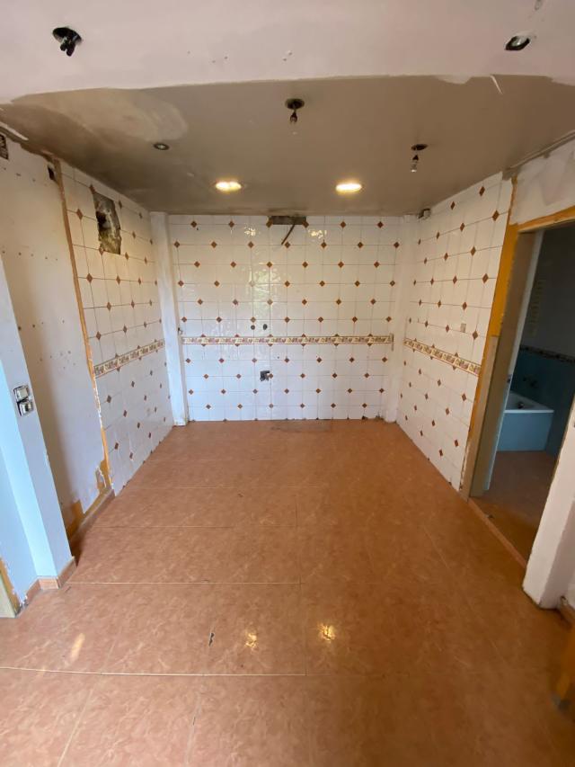 Piso en venta en Piso en Sabadell, Barcelona, 64.000 €, 2 habitaciones, 1 baño, 55 m2
