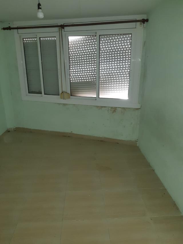 Piso en venta en Piso en Valls, Tarragona, 53.000 €, 3 habitaciones, 1 baño, 84 m2