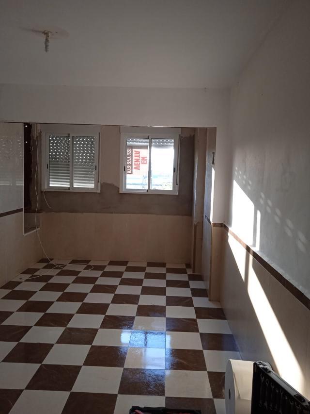 Piso en venta en Piso en Sagunto/sagunt, Valencia, 28.500 €, 1 habitación, 1 baño, 85 m2
