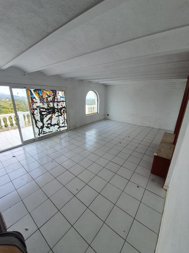 Casa en venta en Casa en Lloret de Mar, Girona, 189.000 €, 2 habitaciones, 3 baños, 205 m2, Garaje