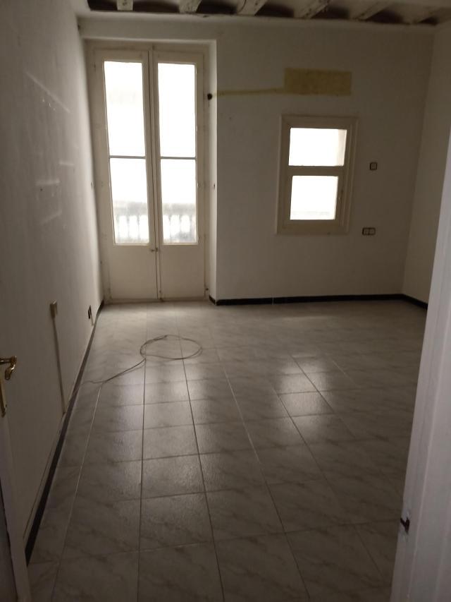 Piso en venta en Ciutat Vella, Barcelona, Barcelona, Calle Escudellers Blancs, 350.800 €, 3 habitaciones, 1 baño, 107 m2