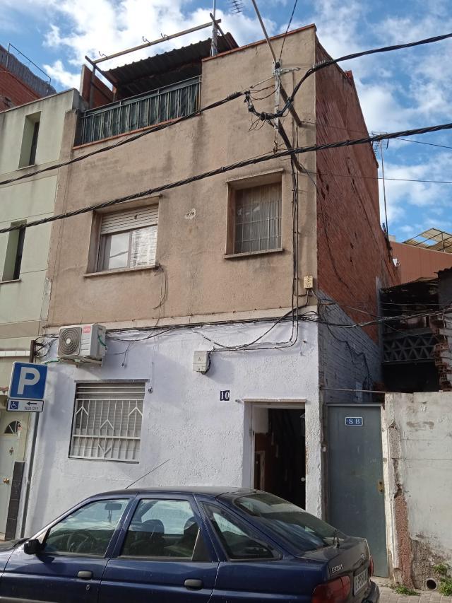 Piso en venta en Ca N`ustrell, Sabadell, Barcelona, Calle Llum de la Selva, 119.000 €, 3 habitaciones, 1 baño, 88 m2