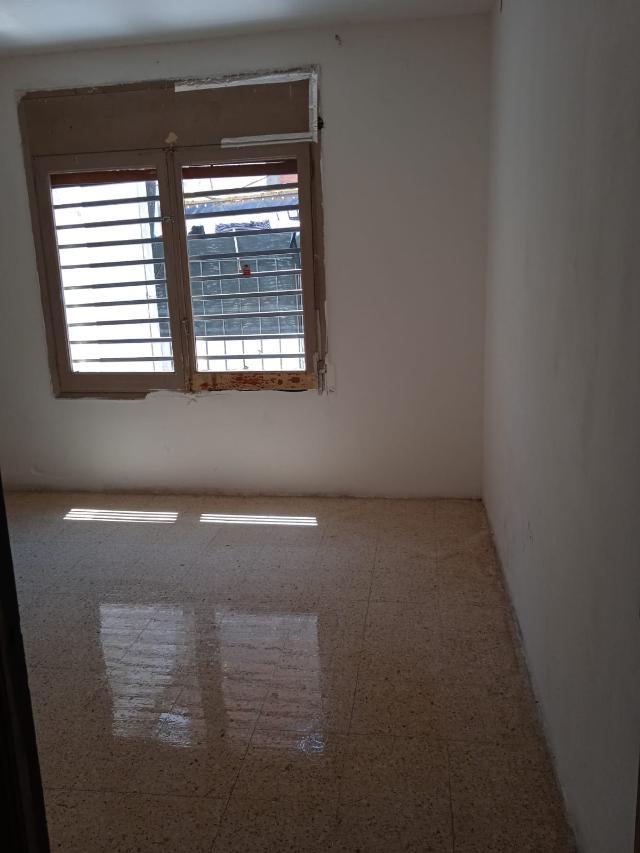 Piso en venta en Piso en Sabadell, Barcelona, 119.000 €, 3 habitaciones, 1 baño, 88 m2