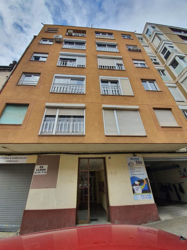 Piso en venta en Poble Nou, Manresa, Barcelona, Calle Alcalde Armengou, 104.000 €, 3 habitaciones, 1 baño, 85 m2
