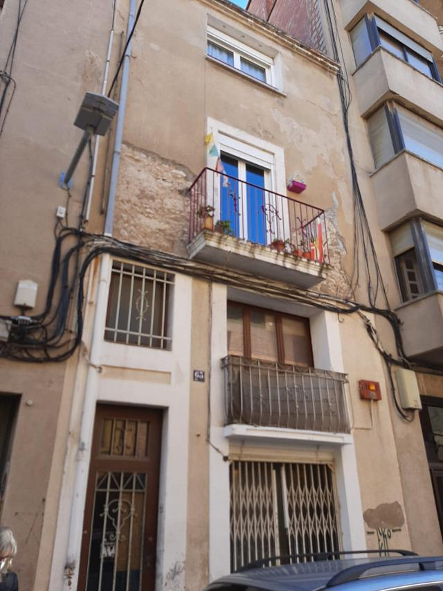 Piso en venta en Cal Ràfols, Vilafranca del Penedès, Barcelona, Calle Sant Pere, 87.000 €, 3 habitaciones, 1 baño, 73 m2