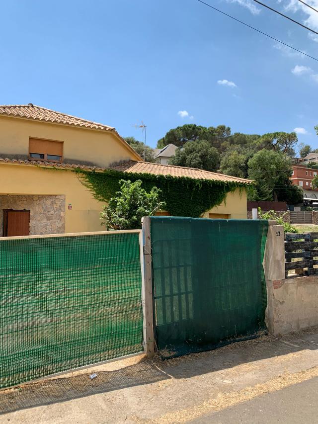 Casa en venta en Ca L`esmandia, Cànoves I Samalús, Barcelona, Calle Josep Anselm Clave, 316.000 €, 4 habitaciones, 3 baños, 348 m2