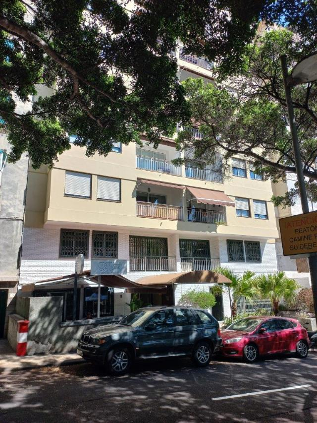 Piso en venta en Centro-ifara, Santa Cruz de Tenerife, Santa Cruz de Tenerife, Calle Rambla Santa Cruz, 215.000 €, 3 habitaciones, 1 baño, 112 m2