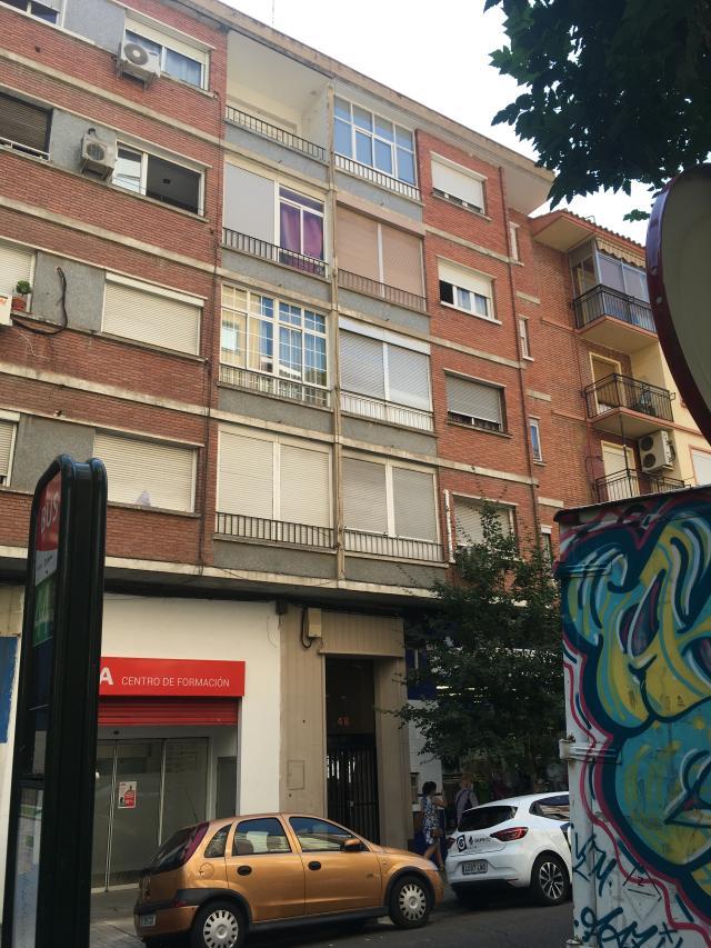Piso en venta en Las Fuentes, Zaragoza, Zaragoza, Calle Doctor Iranzo, 58.000 €, 2 habitaciones, 1 baño, 63 m2