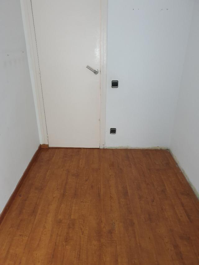 Piso en venta en Piso en la Llagosta, Barcelona, 113.300 €, 3 habitaciones, 1 baño, 71 m2