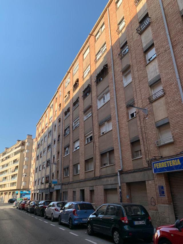 Piso en venta en Can Boada (nucli Antic), Terrassa, Barcelona, Calle Francisco de Vitoria, 89.000 €, 3 habitaciones, 4 baños, 58 m2