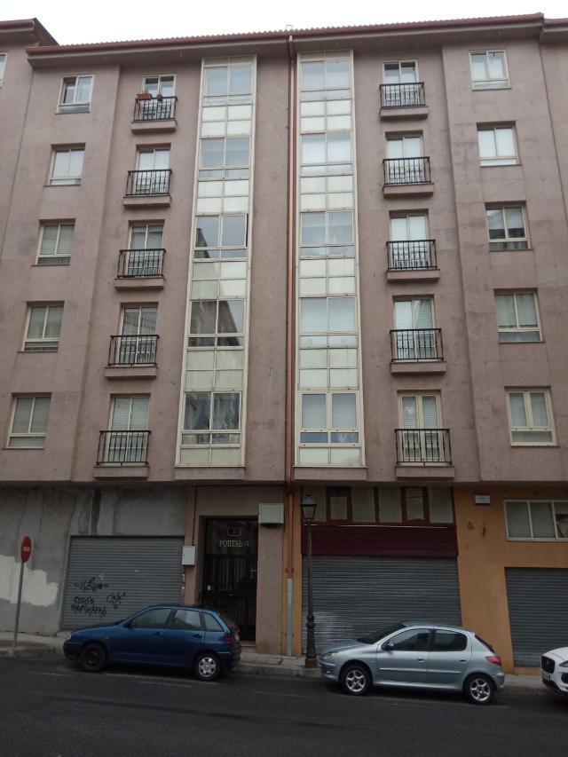 Piso en venta en Ames, A Coruña, Calle Panasqueira, 75.000 €, 80 m2