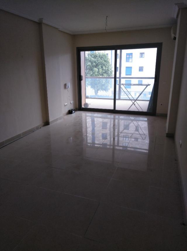 Piso en venta en Piso en la Villajoyosa/vila, Alicante, 124.000 €, 2 habitaciones, 1 baño, 116 m2
