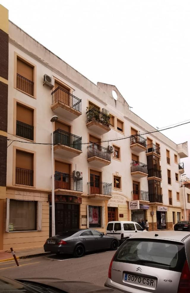 Piso en venta en Albox, Almería, Calle Embajador Inocencio Arias, 48.000 €, 3 habitaciones, 2 baños, 82 m2
