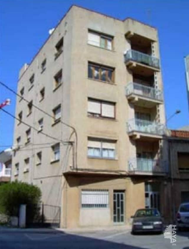 Piso en venta en Benicarló, Castellón, Calle Tarragona, 57.000 €, 3 habitaciones, 1 baño, 111 m2