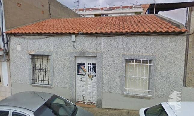 Casa en venta en Suerte de Saavedra, Badajoz, Badajoz, Calle Granada, 138.000 €, 4 habitaciones, 1 baño, 142 m2
