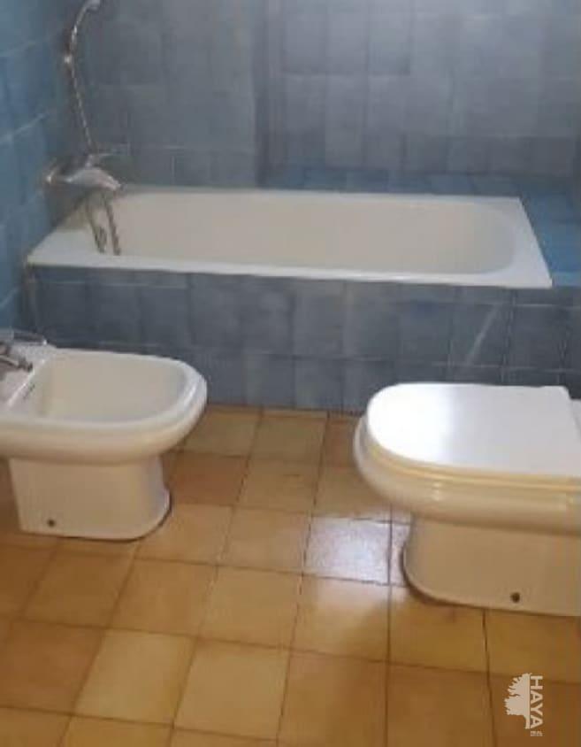 Piso en venta en Novelda, Novelda, Alicante, Calle Eleuterio Maisonnave, 50.000 €, 4 habitaciones, 1 baño, 123 m2