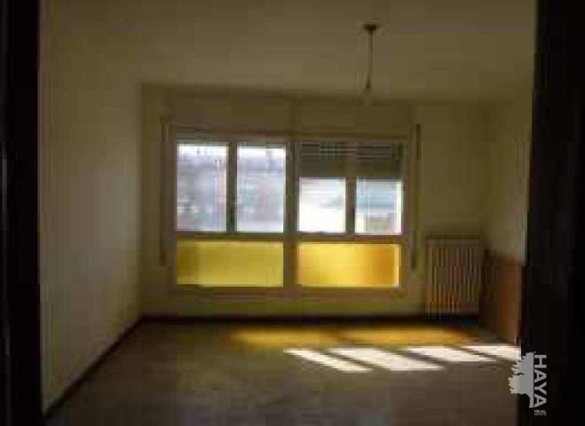 Piso en venta en Hostal del Porc, Vilanova del Camí, Barcelona, Calle Indústria (de La), 60.100 €, 4 habitaciones, 1 baño, 93 m2