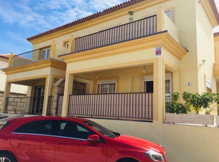Casa en venta en Casa en Adeje, Santa Cruz de Tenerife, 592.000 €, 5 habitaciones, 4 baños, 300 m2, Garaje