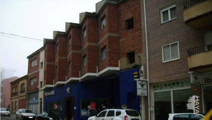 Piso en venta en Barrio Honduras, Benavente, Zamora, Calle Luis Moran, 176.900 €, 1 baño, 258 m2