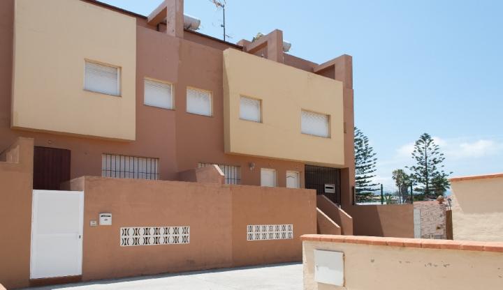 Casa en venta en El Rinconcillo, Algeciras, Cádiz, Calle Cabo de Buena Esperanza, 101.500 €, 2 habitaciones, 2 baños, 128 m2