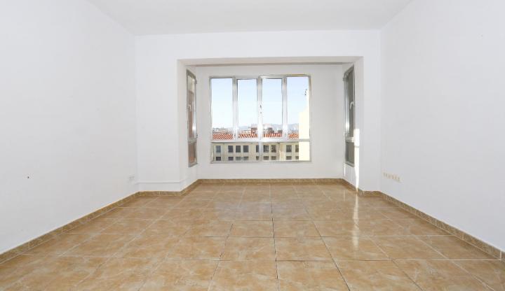 Piso en venta en Benicarló, Castellón, Calle de Cesar Cataldo, 61.500 €, 4 habitaciones, 1 baño, 104 m2