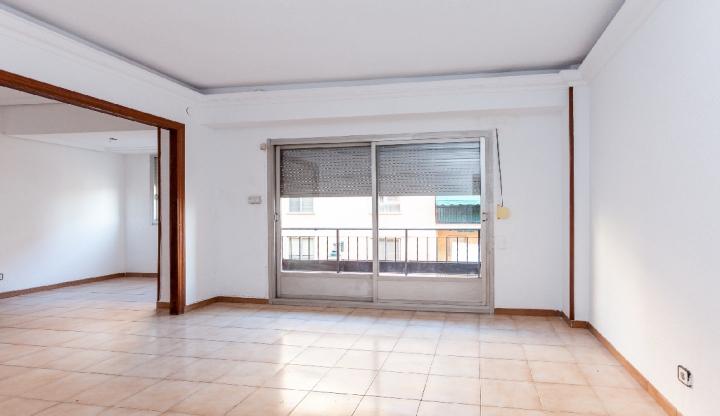 Piso en venta en Zona Nord, Alcoy/alcoi, Alicante, Calle Sagrada Familia, 83.000 €, 2 habitaciones, 1 baño, 88 m2