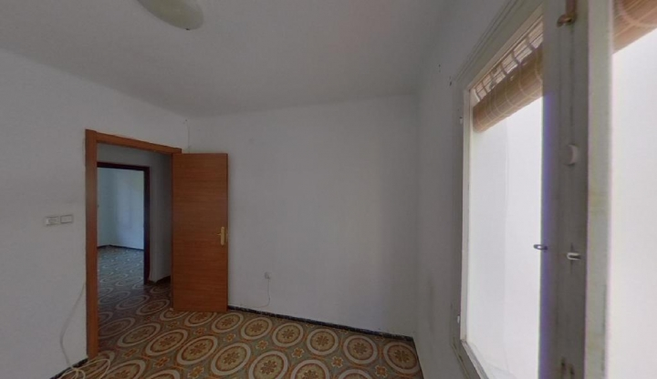 Piso en venta en Piso en Alfafar, Valencia, 56.500 €, 4 habitaciones, 1 baño, 88 m2