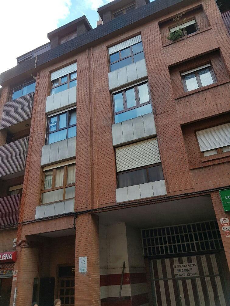 Piso en venta en Lena, Asturias, Calle Arzobispo Blanco, 67.000 €, 3 habitaciones, 2 baños, 96 m2