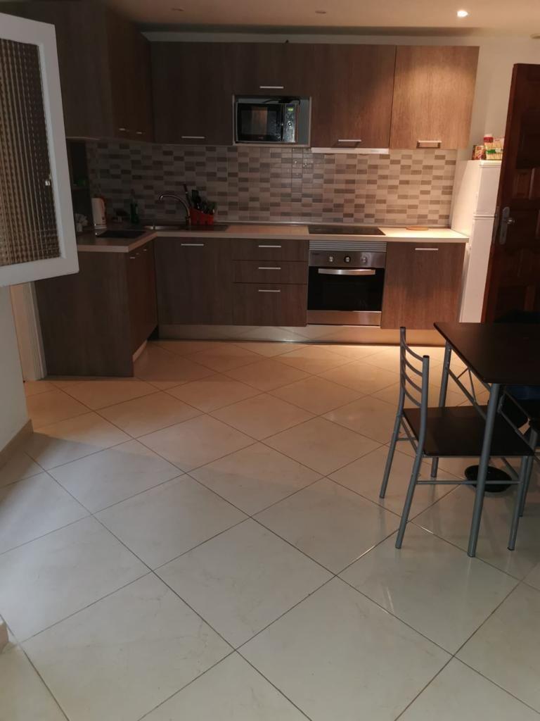 Piso en venta en Piso en Arona, Santa Cruz de Tenerife, 130.000 €, 3 habitaciones, 1 baño, 75 m2