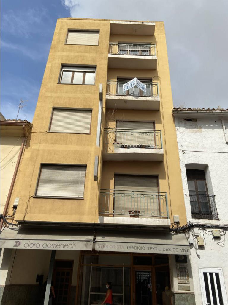 Piso en venta en Benissa, Alicante, Avenida Av. Pais Valencia, 94.000 €, 4 habitaciones, 1 baño, 120 m2