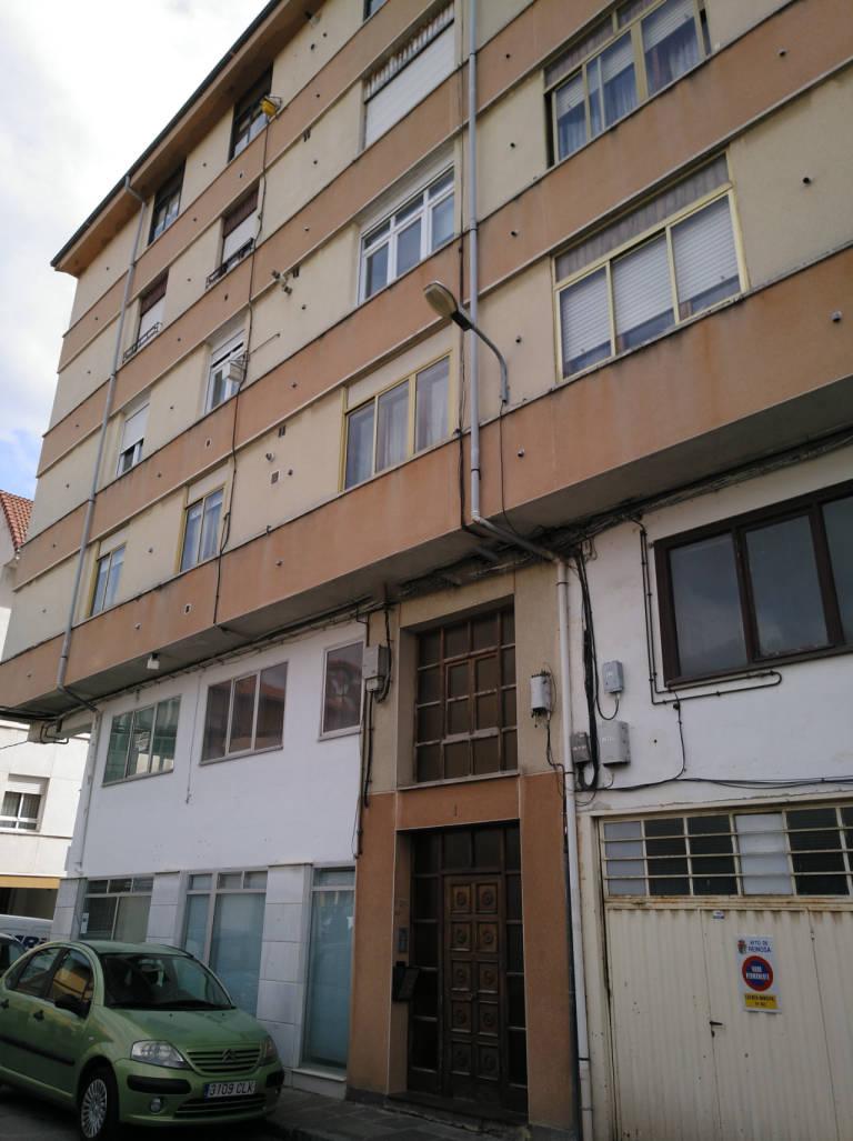 Piso en venta en Reinosa, Cantabria, Calle Colon, 78.000 €, 4 habitaciones, 2 baños, 115 m2