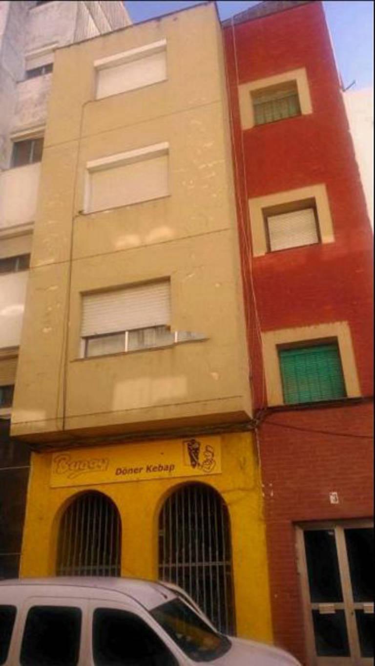 Piso en venta en San Andrés, Mérida, Badajoz, Calle Atarazanas, 79.100 €, 3 habitaciones, 1 baño, 125 m2
