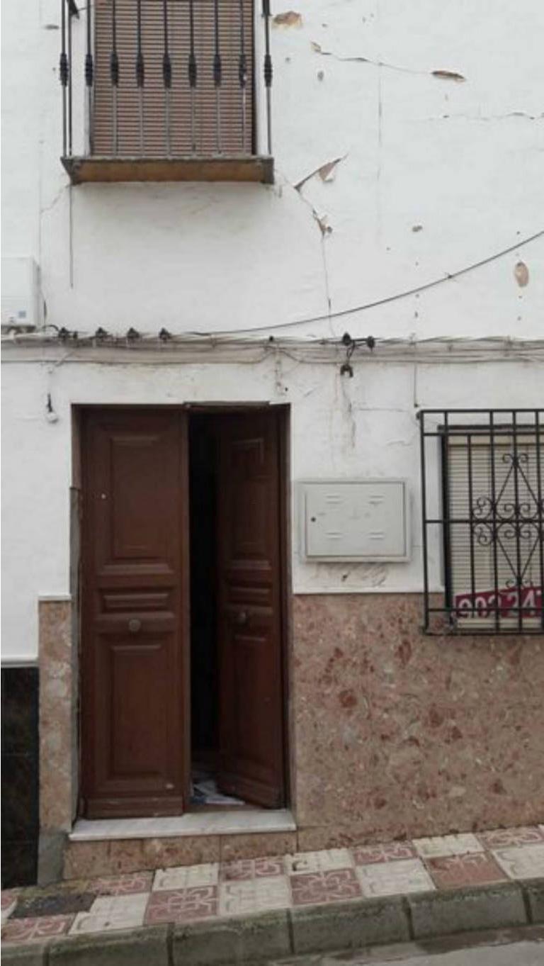 Casa en venta en Encinas Reales, Córdoba, Calle Piedras, 32.000 €, 2 habitaciones, 1 baño, 98 m2
