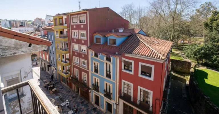Piso en venta en Llaranes, Avilés, Asturias, Calle Rivero, 150.000 €, 4 habitaciones, 1 baño, 130,35 m2