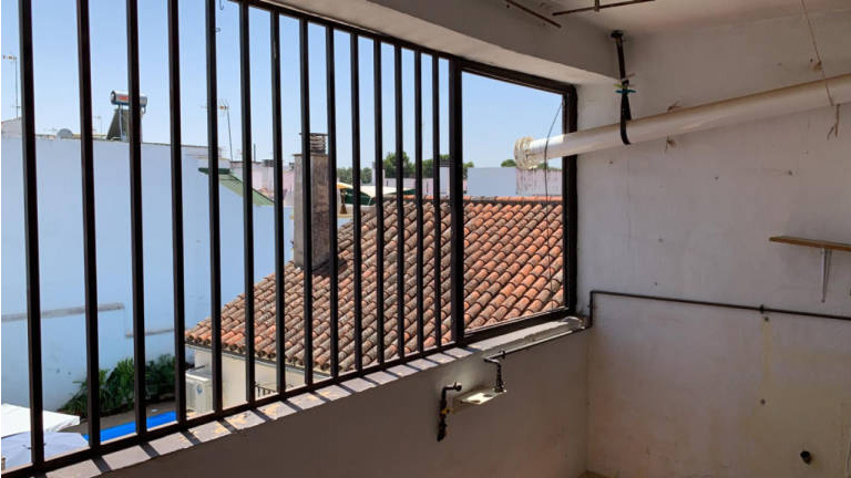 Piso en venta en Palma del Río, Córdoba, Calle Plata, 48.000 €, 2 habitaciones, 1 baño, 98 m2