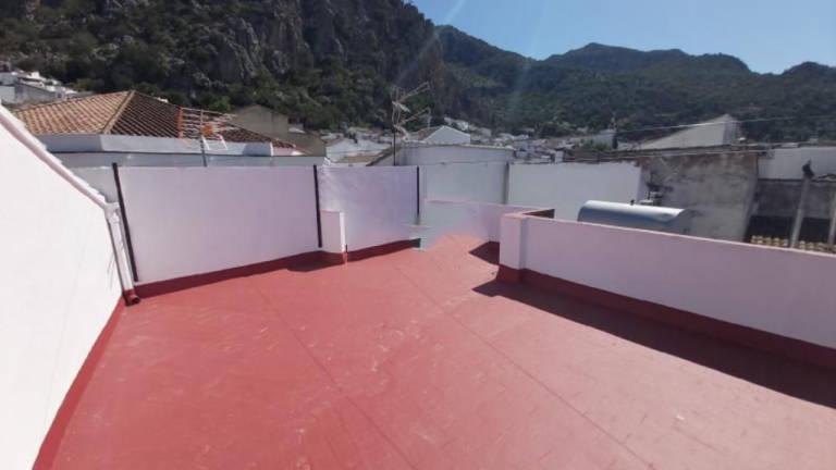 Piso en venta en Ubrique, Cádiz, Calle Auditor Francisco Bohorquez, 59.000 €, 2 habitaciones, 1 baño, 66 m2