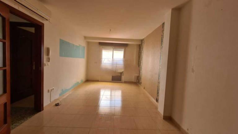 Casa en venta en Casa en Dos Torres, Córdoba, 77.800 €, 3 habitaciones, 2 baños, 132 m2, Garaje