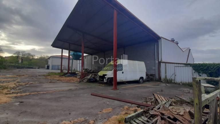 Local en venta en Narón, A Coruña, Calle Nelle, 120.000 €, 1575 m2