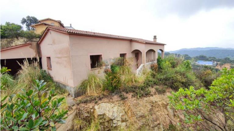 Casa en venta en Lloret de Mar, Girona, Calle Campaña, 125.000 €, 4 habitaciones, 1 baño, 152 m2