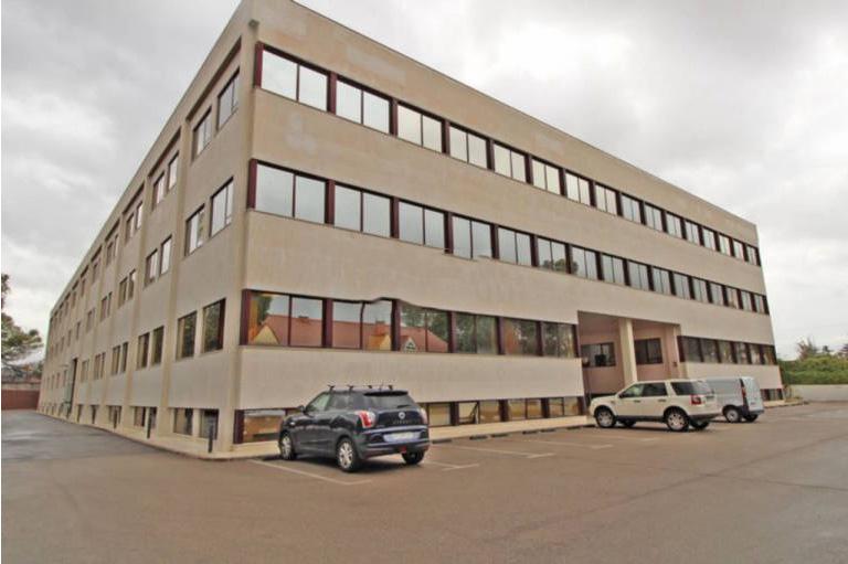 Oficina en venta en Las Rozas de Madrid, Madrid, Calle Rosa de Lima, 480.000 €, 630 m2
