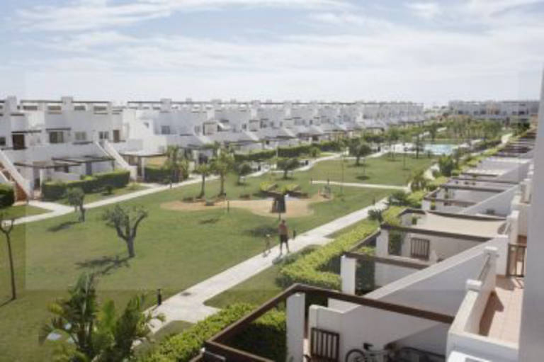 Piso en venta en Piso en Alhama de Murcia, Murcia, 58.000 €, 2 habitaciones, 1 baño, 68 m2, Garaje