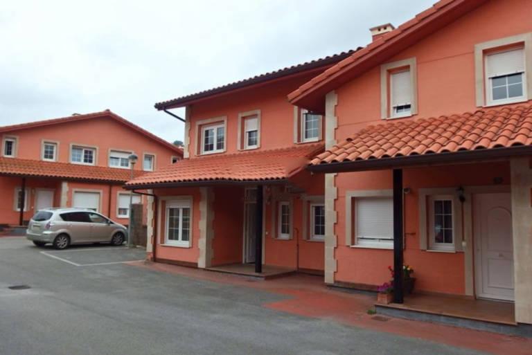 Casa en venta en Santa María de Cayón, Cantabria, Urbanización la Berasquita, 140.100 €, 3 habitaciones, 3 baños, 121,8 m2