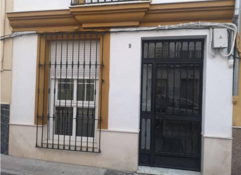 Piso en venta en Lucena, Córdoba, Calle Cesteros, 49.000 €, 2 habitaciones, 1 baño, 89 m2